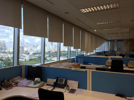 งานติดตั้งม่านม้วน บริษัท เมอร์เซอร์ (ประเทศไทย) จำกัดพระราม 4