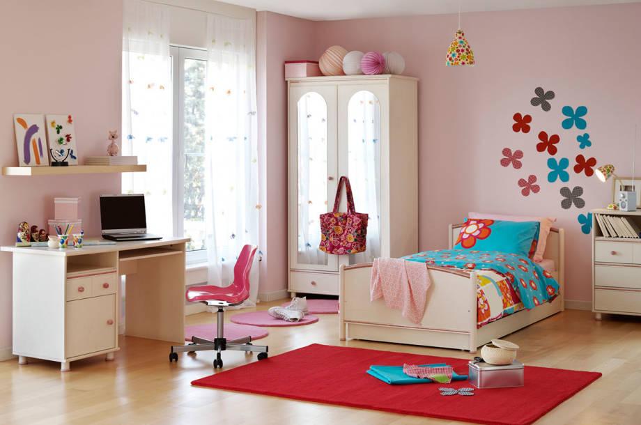 ห้องนี้เหมาะสมกับลูกสาวที่ไม่ค่อยช่างเลือกมากนัก จะบอกว่าอยู่ง่ายกินง่าย พูดง่าย ว่าง่าย ประมาณนั้น ไม่เน้นอะไรมากมาย ก็ดูสบายๆ ดีนะ